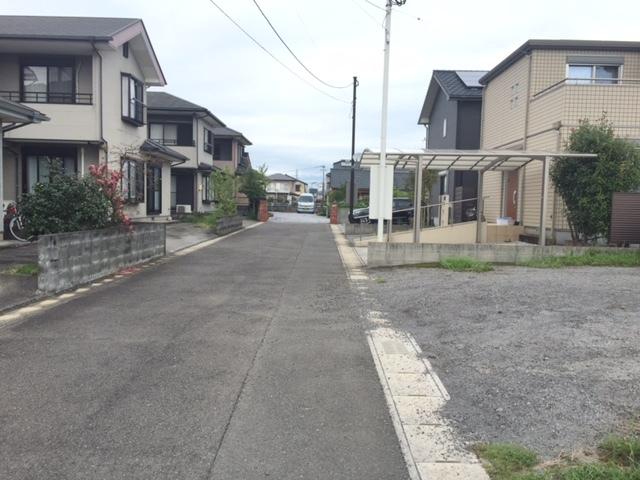 【前面道路含む現地写真】<br /> 西側前面道路画像